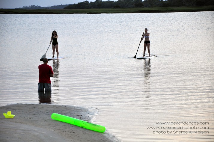 DSC_0771 girls on paddleboards copyr